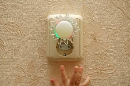 Gniazdka elektryczne i punkty świetlne w domu