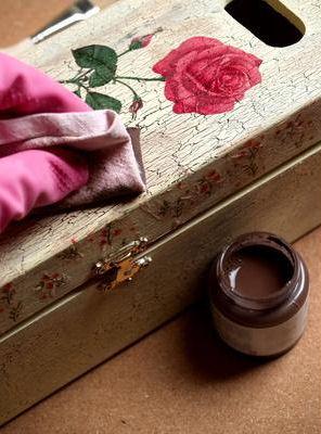 Decoupage – technika zdobienia przedmiotów