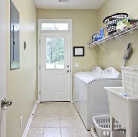 Pojemniki i kosze na pranie